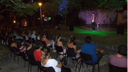 Una nutrida concurrencia acompañó la presentación del ciclo, en el Parque Elio Leyes.